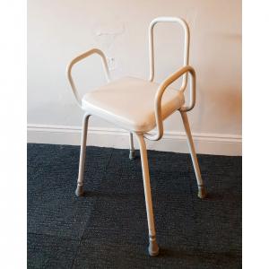 s_2018_11_03-perch-stool